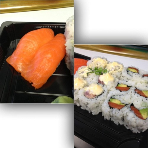 Lunch!!! #sushi #tuna #salmon #fresh #amazing #heaven #spicy  (Taken with Instagram at Sushi Cafe (Twelve Oaks Mall))