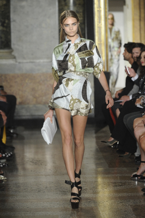 Emilio Pucci. Milan, 22/09/12 Shaking up the Pucci stereotype of 60s kaleidoscopic colour, Peter Dundas sent his first thirteen mannequins down the runway fully clad in china white… More here. See all of our womenswear (SS13) coverage here. i-Donline.com
