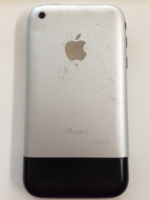 Steve Jobs never would have shipped a phone that scuffs