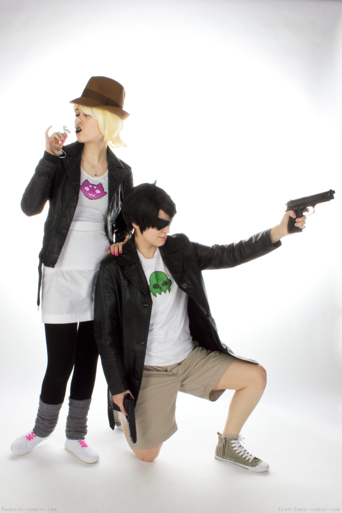 Hardboiled detectives. Roxy Lalonde: Raakel, Jake English: Ered