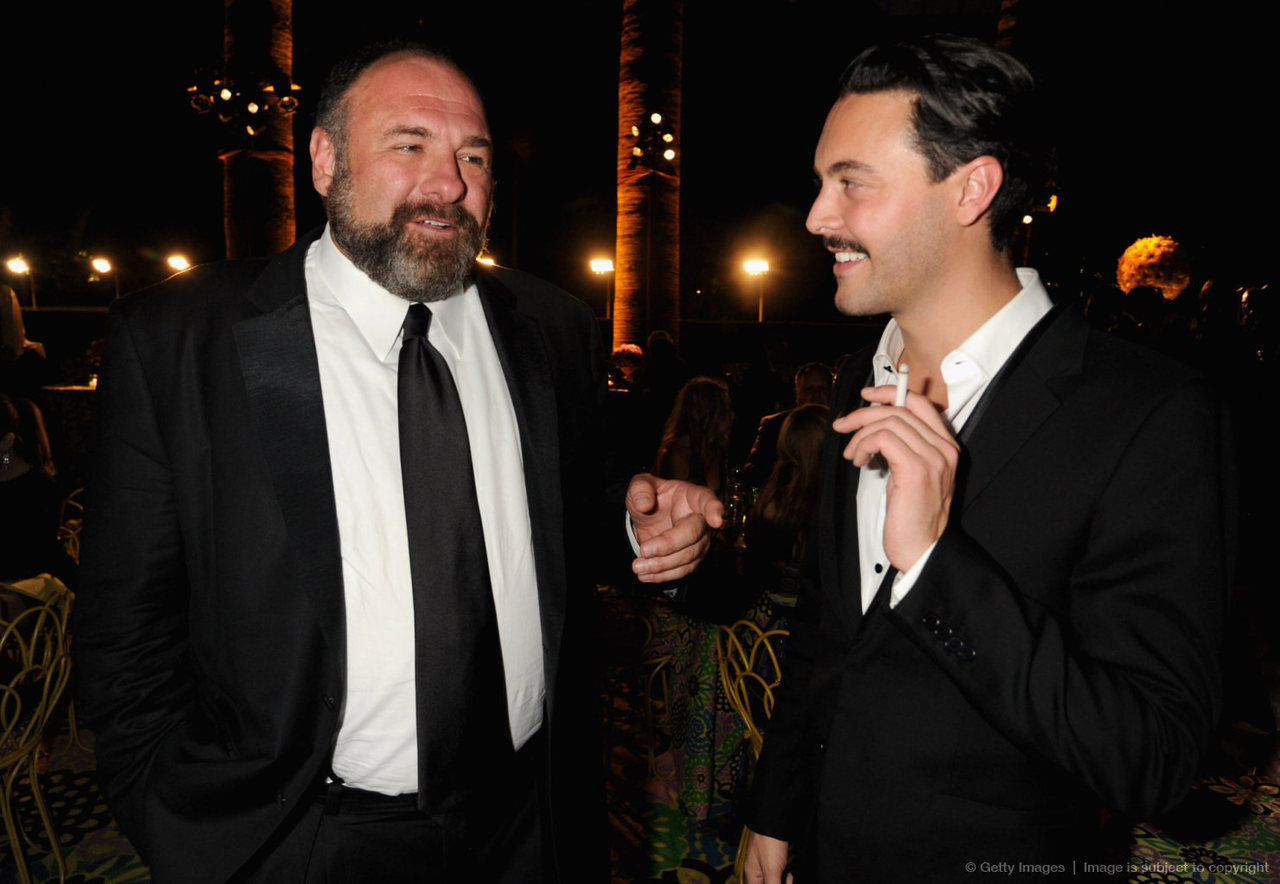 bohemea:  James Gandolfini & Jack Huston - HBO Emmy after-party OH MY GOD, KISS HIM! James & Jack are both starring in David Chase's film Not Fade Away. I am very excited to see more pictures of them together.