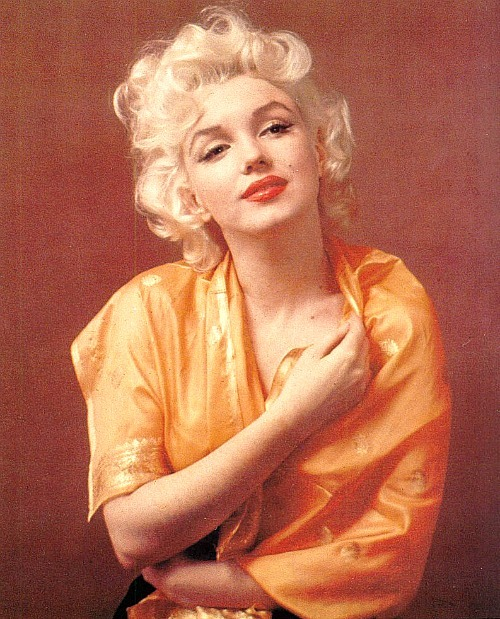 withlovemarilynmonroe:  1955: Marilyn by Hal Beg.