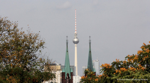 "Fernsehturm seen from Viktoriapark, Kreuzberg - Berlin on Flickr.Via Flickr: Photo from the shoot of ""Viktoriapark, Kreuzberg - In A Berlin Minute (Week 125)"" Watch the 1-minute video: youtu.be/5UwDQhsiLEw?hd=1"