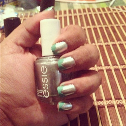 Mani Monday! #manimonday #manicure #nails #essie  (Taken with Instagram)