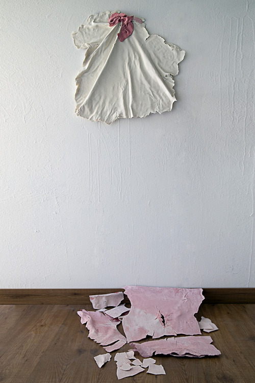 Francesco Ardini: Porcelain Skin, 2012, Porcelain mixed with paper, Organic reagent, Plastic structure with tie rods, 1300°C