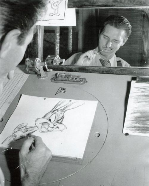 tea-for-totenkinder:  Robert McKimson drawing Bugs Bunny.  It's a damn shame McKimson doesn't get the full credit he deserves as one of the best animators/directors in cartoon history.  He's one of the few that can always get a belly laugh outta me.
