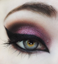beautylish:  A gorgeous smoky shimmery purple eye look from Victoria D.!