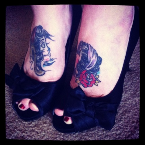 Day 24: Heels. #pinup #pinupphotoadaysept #tattoo #ink #feet #foot #peeptoe #heels #vintage #plussizemodel #plussize #fetish #bow #rockabilly #foottattoo (Taken with Instagram)
