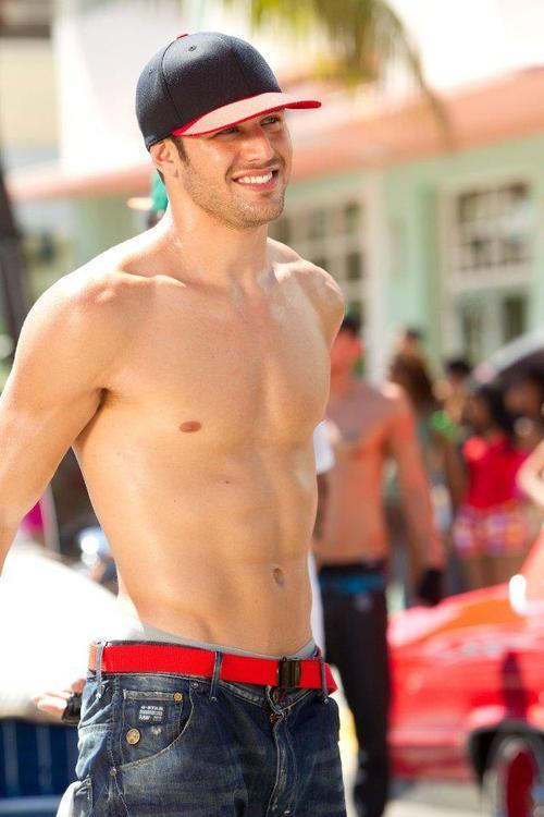 mancrushoftheday:  Ryan Guzman #muscle #abs Visit The Man Crush Blog | Twitter | Facebook | Google+  Can u be my heart?
