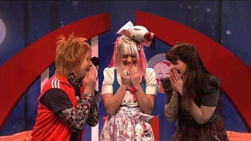 "Scene from the ""J-Pop America Funtime"" skit featuring actors and Katy Perry as American Japanophiles."