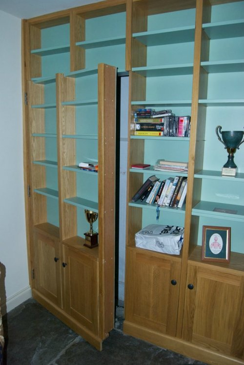 stashvault:  Secret Bookcase Door and Tunnel