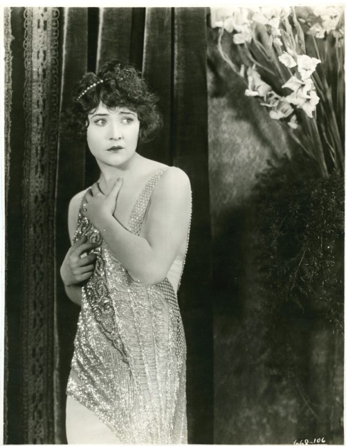 sydneyflapper:  Betty Compson, fabulously frocked