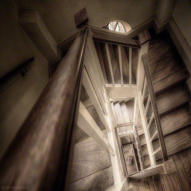 stairing down by Jon Downs on Flickr.A través de Flickr: I'm a little behind - slowly catching up :) .Facebook + Twitter + RedBubble + 9876543210Press L to view in Lightbox© Jon Downs 2012 All Rights Reserved