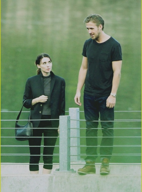 awesome-totally-genius:  Ryan Gosling and Rooney Mara at the set of Terrence Malick's new movie  Rooney thinks: oh my god, Ryan, just show me your abs already!