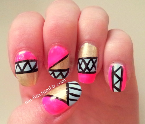 neonpink-blue-gold-aztec nails !