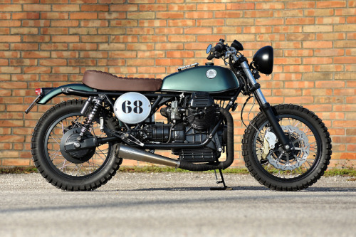 This is Moto di Ferro's first custom bike. A Moto Guzzi Street Tracker  I think I'll add a street tracker to the garage before the year is out. Love what these guys have done with this.  Like us on FB