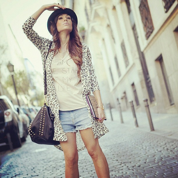 new look on my blog! http://www.elblogdebarbaracrespo.com/2012/09/studded-bag-ipad-case.html?m=1 visit me! (Tomada con Instagram)