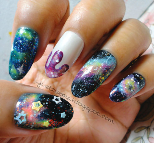 justtisems:  I just had to do galaxy nails after seeing Emily and Christina's galaxy drips To see what polishes I used:  Here