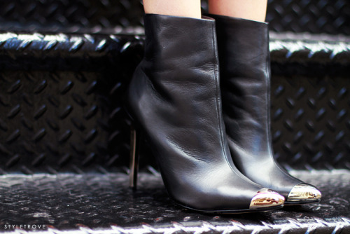 styletrove:  Item envy: Chrome tipped boots.