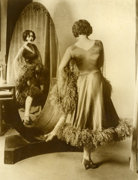 holdthisphoto:  1930  gorgeous dress, gorgeous photo and hey, taken the year my house was built  :]