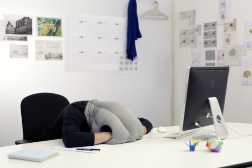 (via The Ostrich Pillow: Because Who Doesn't Love A Good Nap? | TechCrunch)