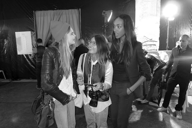 insidemysuitcase:  PARIS FASHION WEEK | SS13 | BACKSTAGE Cara Delevingne and Jourdan Dunn with Lea ! More pictures here : insidemysuitcase