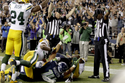What a joke! NFL hits all-time low as replacement refs mangle game-deciding play