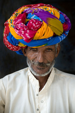 Amazing India ~ Rajastan people India by galibert olivier on Flickr.