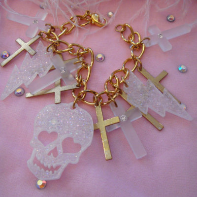 Tons of new Halloween items listed in my etsy tonight, including this new skulls and crosses charm bracelet!