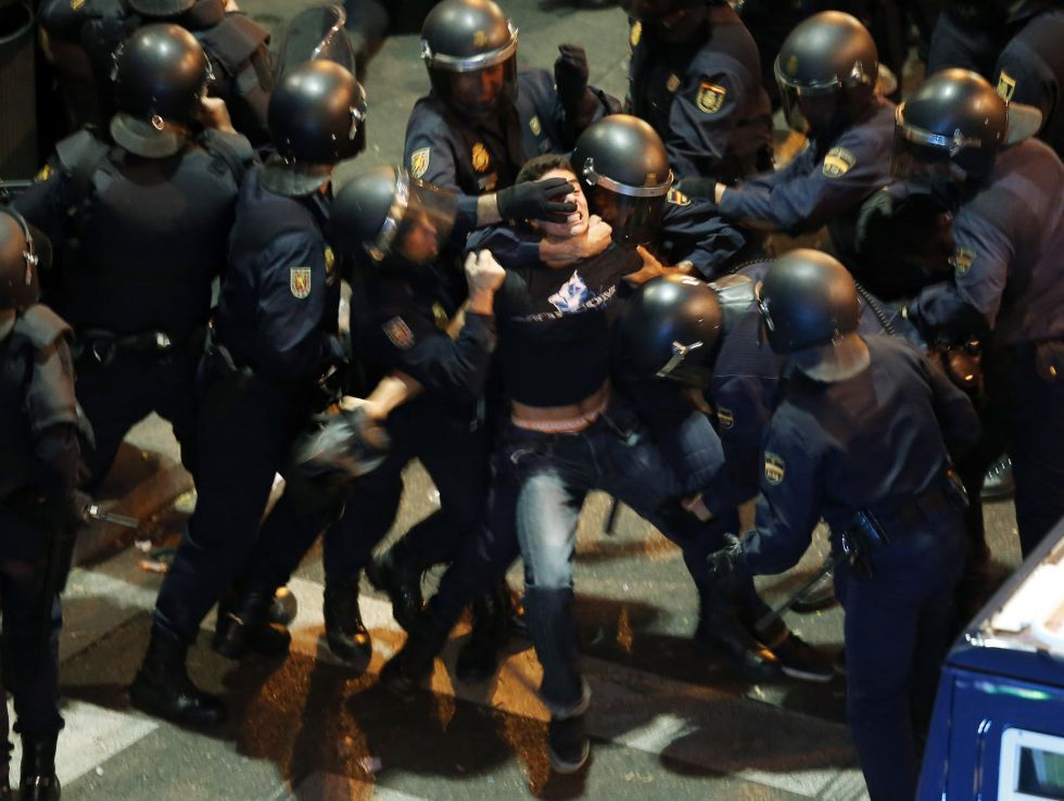 Today at 25-s in Madrid, the police did what they know best: obey an order using no brain. If there was any… Never trust a policeman, a politician or a lawyer. NEVER! And If they come with a stick, go against them with two. Being a good person doesn't mean you shouldn't have to react on the same way. Police should protect the people, but here we can clearly see that it's not happening. more photos of police brutality