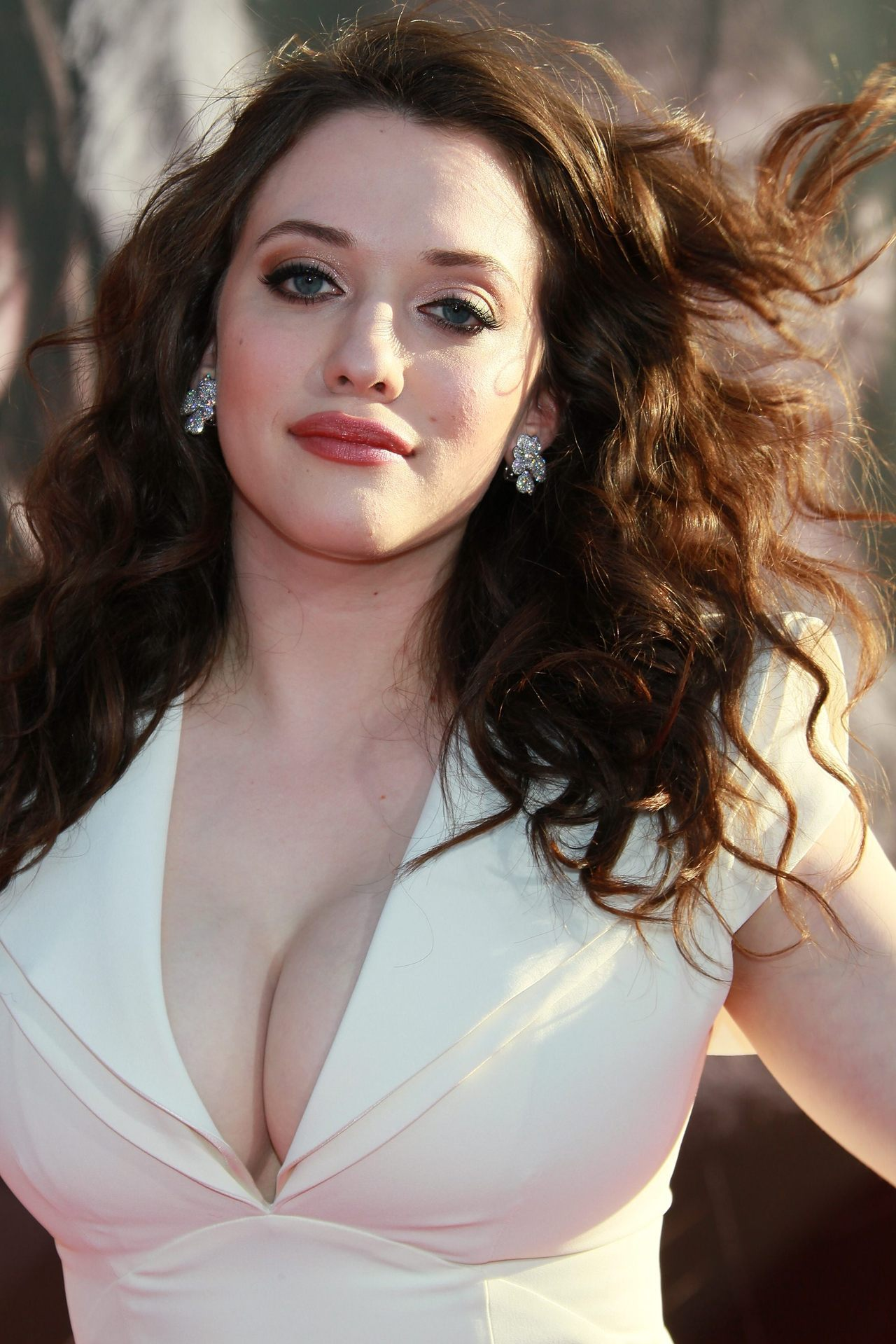 suicideblonde:  Kat Dennings at the premiere of Thor in 2011