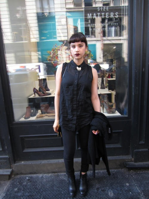 trashingfashion:  All Black Everything By Sofia Yuriko! Something about a all black outfit just make basic items super chic! Sofia is all the way from Los Angeles! NYC she is giving us competition! But seriously her style is great! Sofia I hope we NYers are treating you well and enjoy your stay!