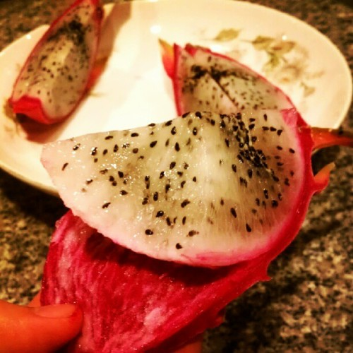 Homegrown. Yumm! #dragonfruit #homegrown #fruits (Taken with Instagram)