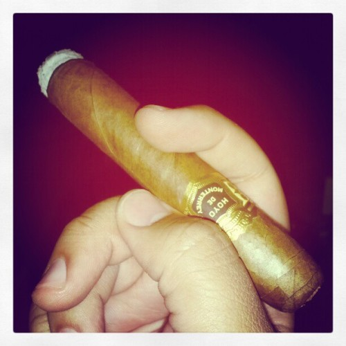 I feel great #goodlife #hoyodemonterrey #cigars (Taken with Instagram)