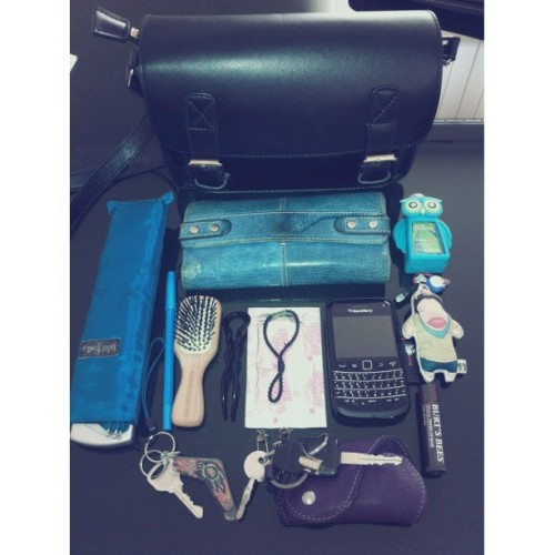 Satchel that fits  💼 #whatsinmybag  (Taken with Instagram)