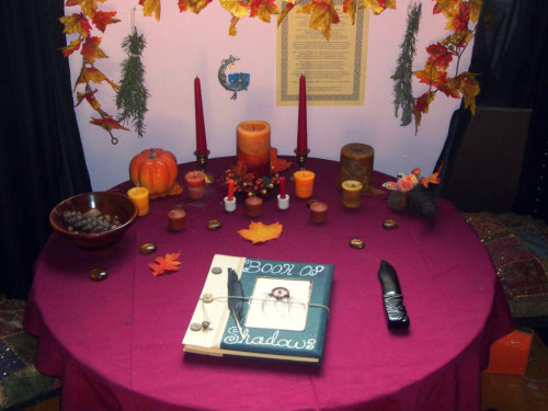 queencitywitch:  Mabon Altar '12