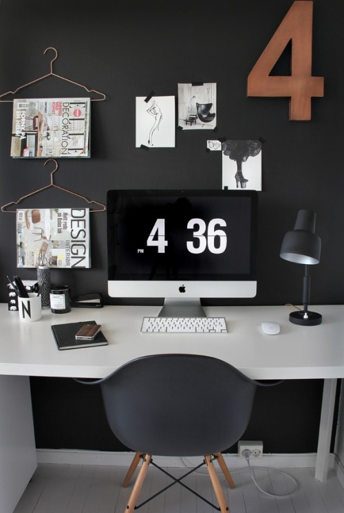 ok, workspace with iMac and awesome decoration. :O I want it!!