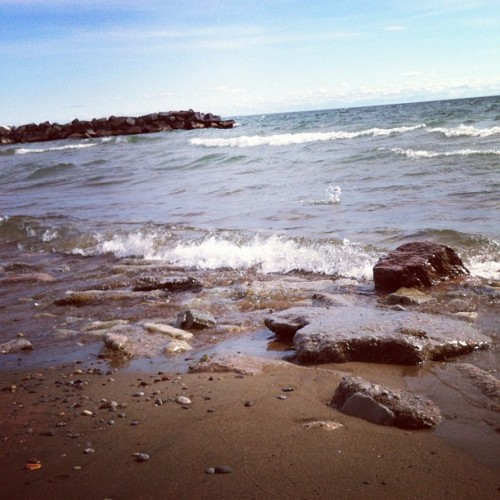 rocks and waves. #instaphoto #shoreline #water #lake #lakeontario #outside #outdoors  #rocks #sand #sky #clouds #waves #downtown #downtowntoronto #toronto #1loveto #centreisland #iphoto #torontoisland #instagood #instalove #instagramer #instamoment #love #lovelovelove  (Taken with Instagram)