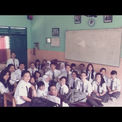 Beloved class XII PSIA 1 #freetime #instadaily #instagram #discussion @tazqihotman @dhantymukhlisa @dhitogunawan @delaulfia @dmasnugraheni @maretaputriyanti 😘👯🙏 (Taken with Instagram)