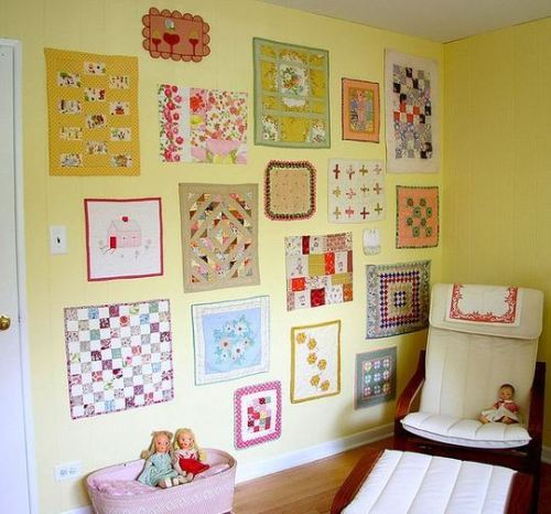 (via Warm and Welcoming: Decorating with Quilts | Apartment Therapy)