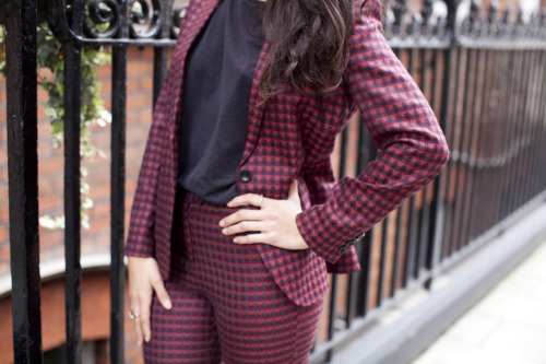 Hands on hips for this statement weave from Dashing Tweeds!