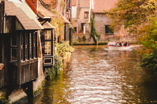 allthingseurope:  By the river in Bruges (by Josef3.0)  my tears