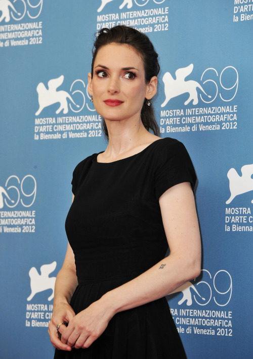 Winona Ryder - The Iceman Photocall in Venice 30.08.12. View all pics from the same gallery