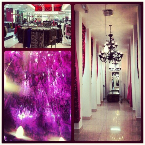 Fashion. #fashion #loveculture #love #culture #fancy #hall #changing #purple #drape #clothes #style  #Higaphoto(Taken with Instagram)