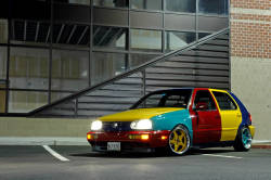loweredcarsanddubs:  Volkswagen Golf Harlequin, Rare and cherished