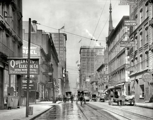 lostsplendor:  Fourth Street, Cincinnati c. 1910 (via)