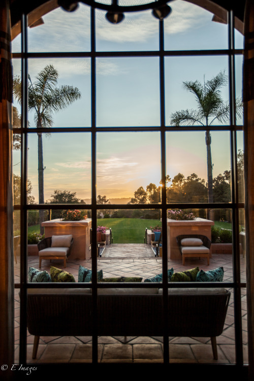Pairing craft tequilas and cocktails with a view at The Pony Room. (Image via E Images)