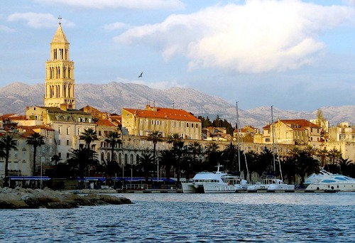 (via Split, a photo from Splitsko-Dalmatinska, Coast | TrekEarth) Split, Croatia