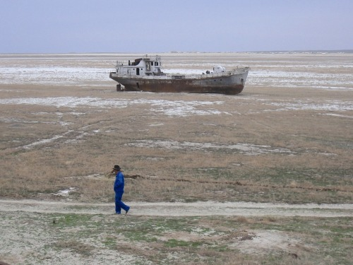 vicemag:   IS CENTRAL ASIA ON THE VERGE OF A WATER WAR? By Ben Makuch      Whether it's Israel maybe pre-emptively striking Iran, Afghanistan spiralling into sectarian violence, Libya becoming home base for Al-Qaeda, or Syria continuing to be the site of a government-led genocide, there's no shortage of potential dirty wars and ominous harbingers in the Middle East and Central Asia. While everyone is focusing on the recent turmoil in Benghazi, a new kind of conflict is rising in Uzbekistan and Tajikistan that could eventually lead to the first water war of the 21st century.  It's fair to say that when Louise Arbour, the hard-ass former UN prosecutor of war criminal Slobodan Milošević, lists her bets on future wars, the rest of us should take her seriously. In December 2011, writing for Foreign Policy, Arbour predicted Tajikistan and Uzbekistan, two obscure Central Asian countries to most westerners, as potential combatants in a war over quickly depleting water resources. Judging bycurrent tensions between the two, she might be right. Basically the Tajiks, who are already plagued by an Islamic insurgency, plan to build the Rogun dam on the Vakhsh River. The river is a major tributary to the Amudarya—the main water vein for downstream Uzbekistan. While the hydroelectric power from the proposed dam would make the Tajiks rich, it'll make the Uzbeks thirsty. This has been a problem for Uzbekistan since Stalin's failed plan for the Transformation of Nature during the 1940s drained the Aral Sea (Uzbekistan's main water reserve) to irrigate cotton fields. Pissing off the Uzbeks, however, may not be what the Tajiks want to do. Besides being geopolitical wildcards, Uzbek President Islam Karimov is widely considered a tyrant, ruling over his country's oil reserves and national wealth since a questionable 1991 election. He's also a cheap imitation Saddam. And like any delusional dictator, he's known for his outlandish behavior: like rewriting history books to make himself the spiritual descendant of the warlord Tamerlane, owning a soccer team in the national league (who are conveniently champions nearly every year), and allegedly ordering the assassination of a political dissident hiding in Sweden. Human Rights Watch even accused his regime of systematic torture, including boiling rebels alive. CONTINUE