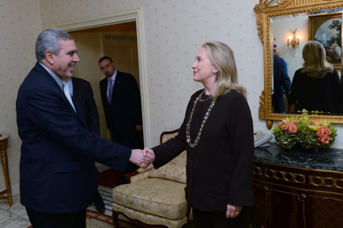 U.S. Secretary of State Hillary Rodham Clinton meets with Vice President of Iraq Khudayr Musa Jafar Abbas al-Khuzai in New York, New York on September 25, 2012. [State Department photo/ Public Domain]